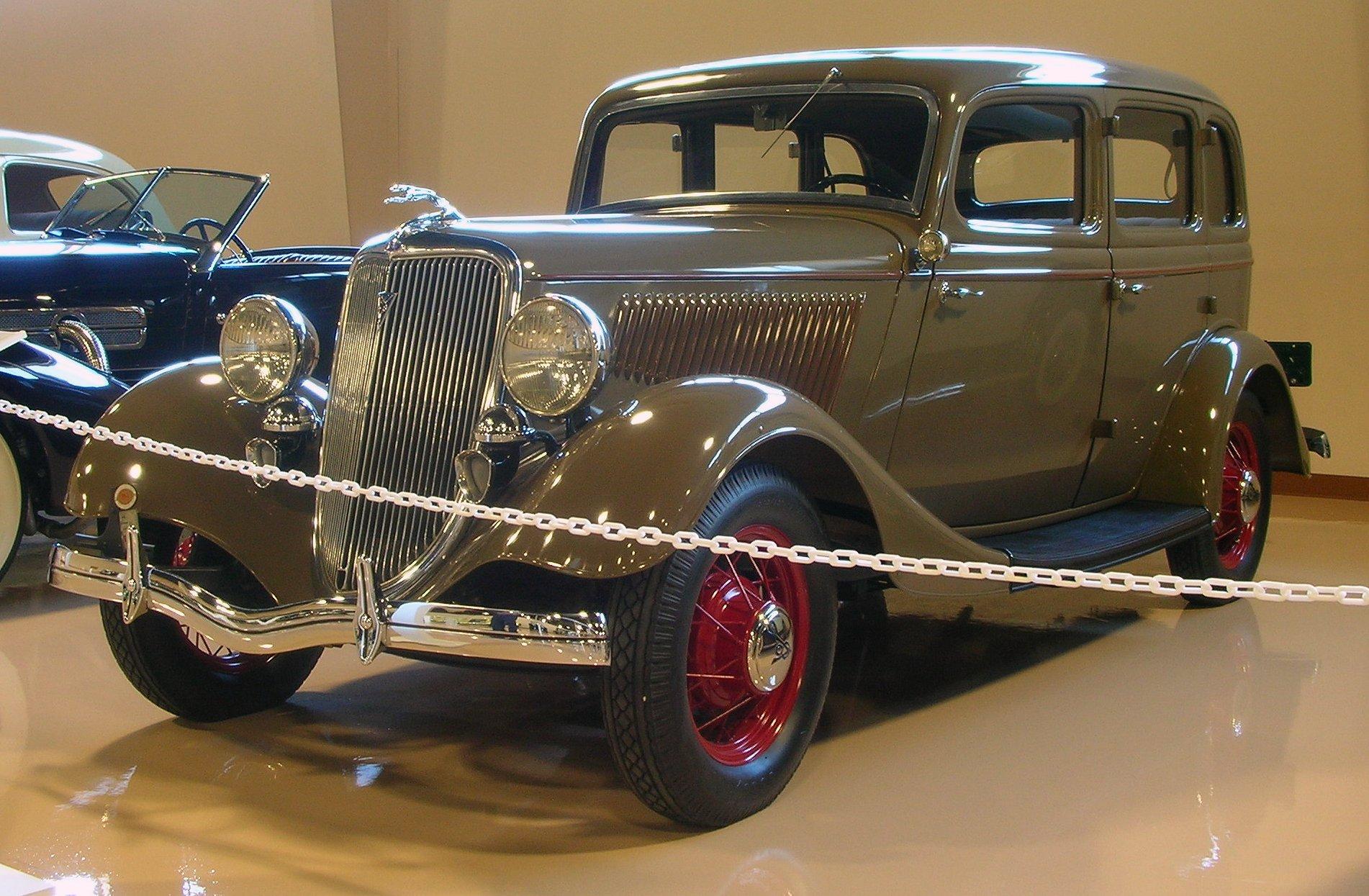 1934 Ford 4 Door Sedan V8